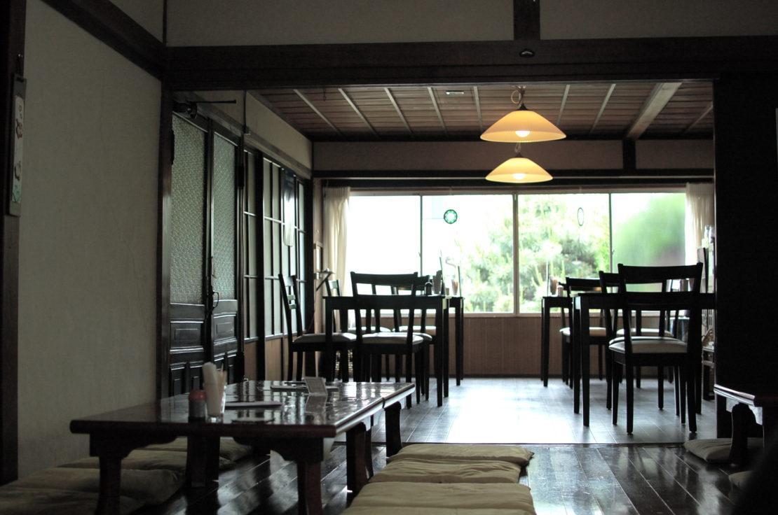 奥三河で新鮮な有機野菜ランチを楽しめる「古民家カフェ はちどり」