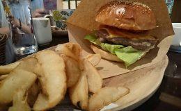 口いっぱいにハンバーガーを頬張りたいならココ!栄「ABBOT KiNNEY」はカフェとファッションが融合した素敵空間 - ede0bfa2b4ac60d8c5348871530febf9 260x160