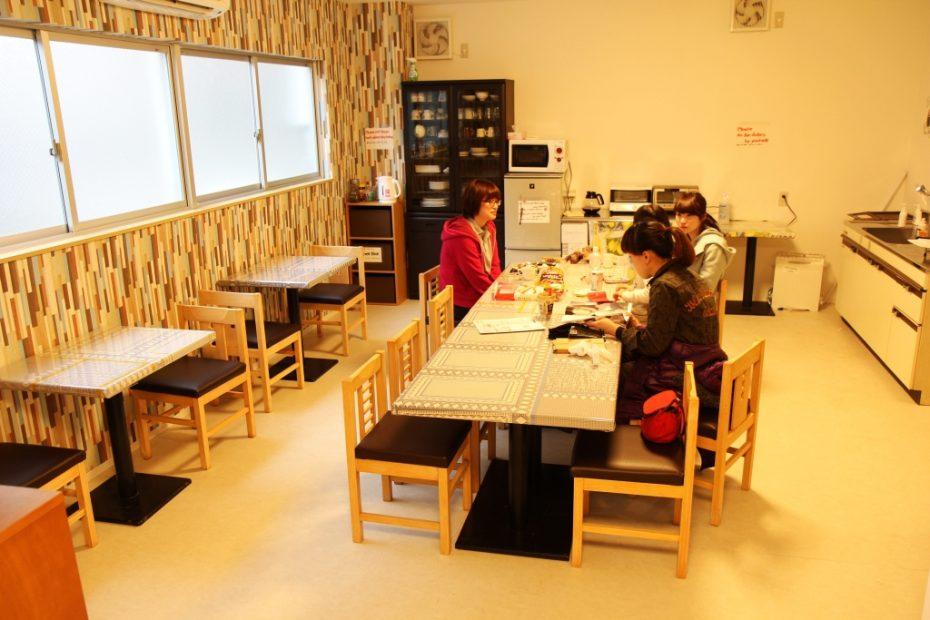 素敵な交流を楽しみたい方にオススメ!名古屋のゲストハウス5選 - common 930x620