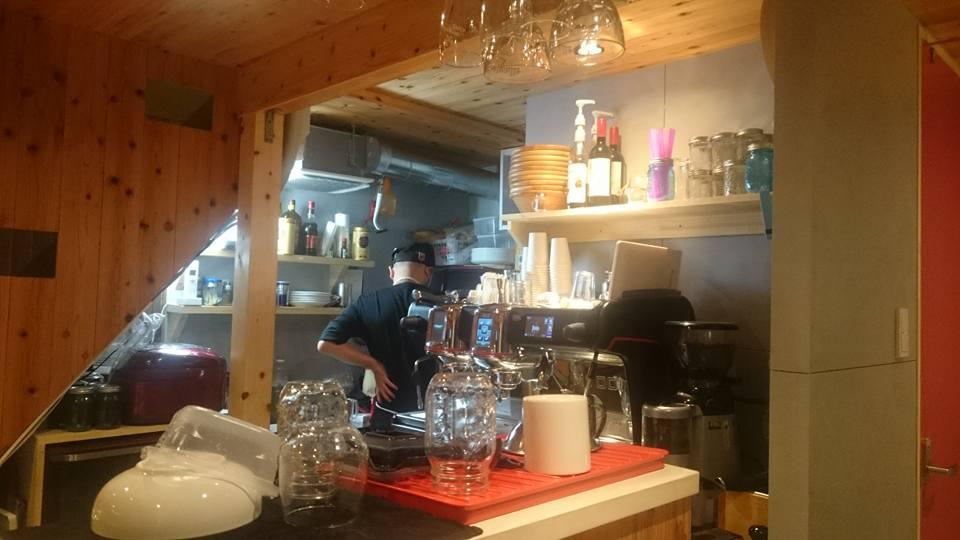 大須散策のひと休みに。コーヒースタンド&カフェ「STARFISH & COFFEE」でほっと一息つく時間 - 0d4478cd90c8d3ffd96126b754a615d0