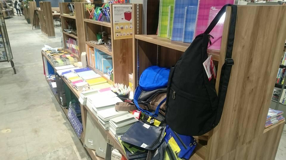 カフェで珈琲を飲みながら店内の本を楽しめる!リブロ名古屋店がリニューアルオープンした、栄のブックカフェ「Carlova360 NAGOYA」 - 7585e83cf6f3a218af43520f002ba619
