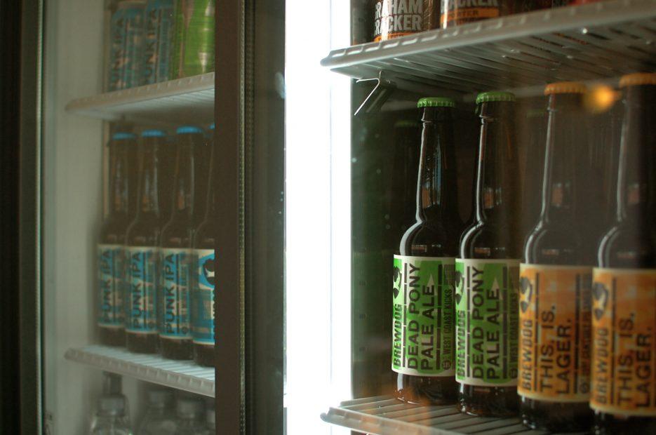 名駅の穴場カフェ!コーヒーとワインが楽しめる「NOOK & CRANNY」 - DSC 0281 935x620