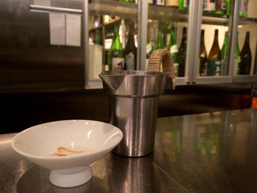 おしゃれに、気軽に楽しめる!伏見の純米酒専門店「八咫」で見つけるお気に入りの一杯。 - IMG 6748 827x620