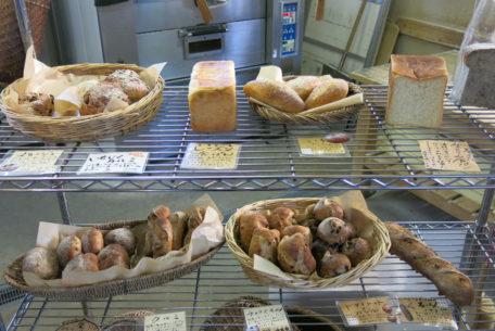 常滑散策にお気に入りのパンを携えて。「パン工房 風舎 常滑店」