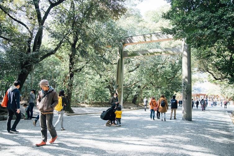 春の訪れを心と身体から感じよう。運気を呼び込むパワースポット、熱田神宮お散歩のススメ