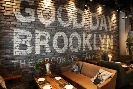 NYCスタイルでくつろぐ。「THE BROOKLYN CAFE」