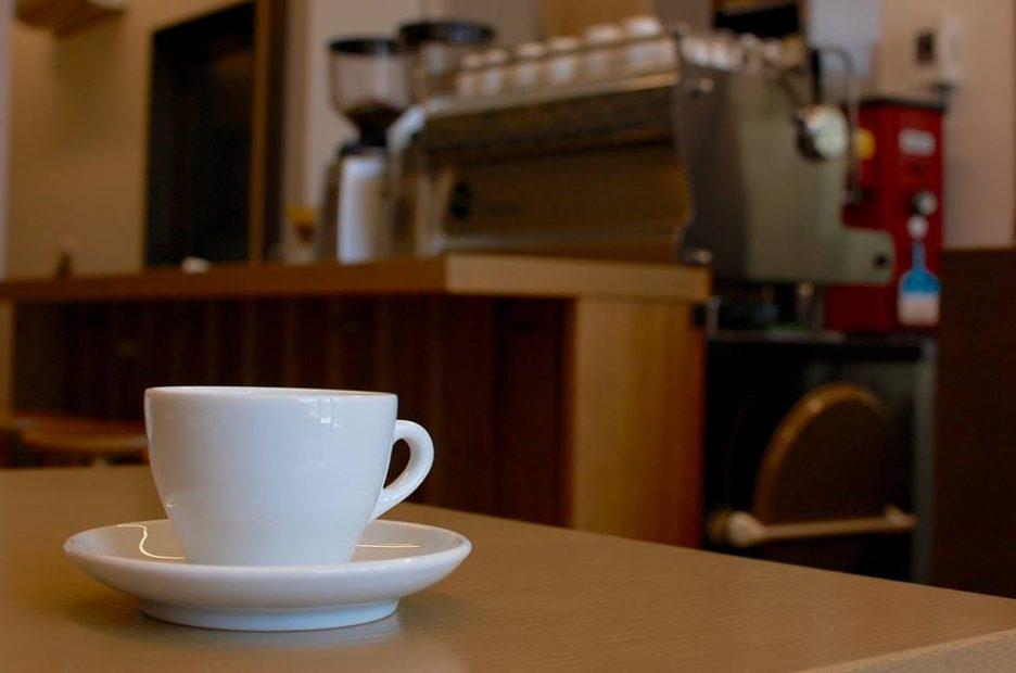 個性の異なる世界のコーヒーを楽しむ。川名・カフェ「GOLPIE COFFEE」