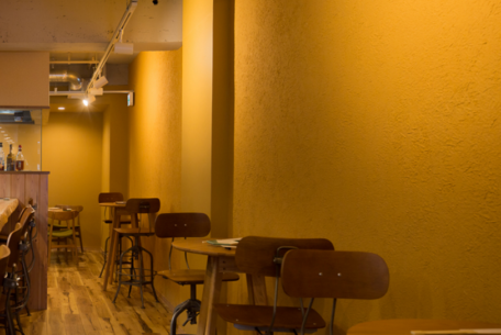 名駅裏の隠れ家「yonezawa」で上質な料理とお酒を楽しもう