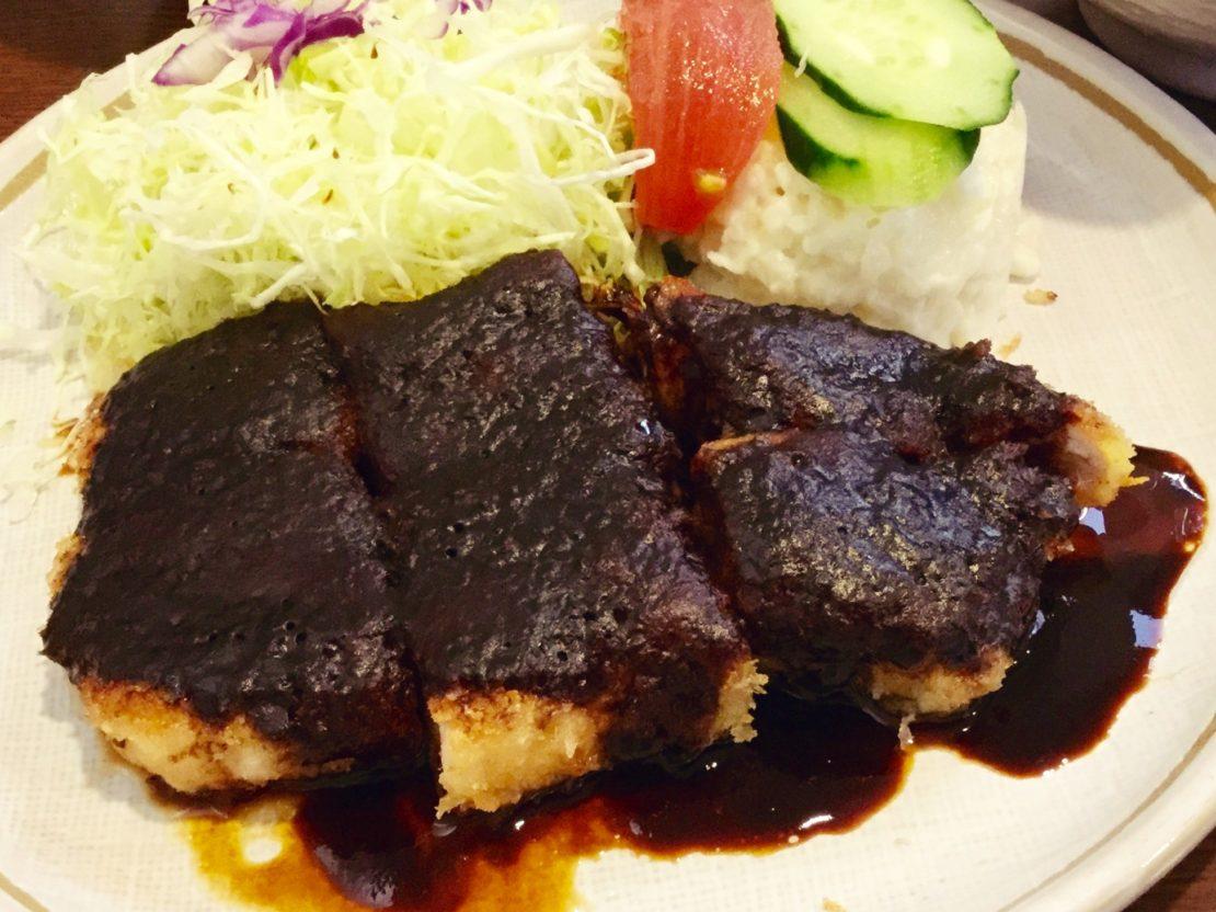 鉄板で焼くからカロリー控えめ!洋食メニューも豊富な「とんかつオゼキ」
