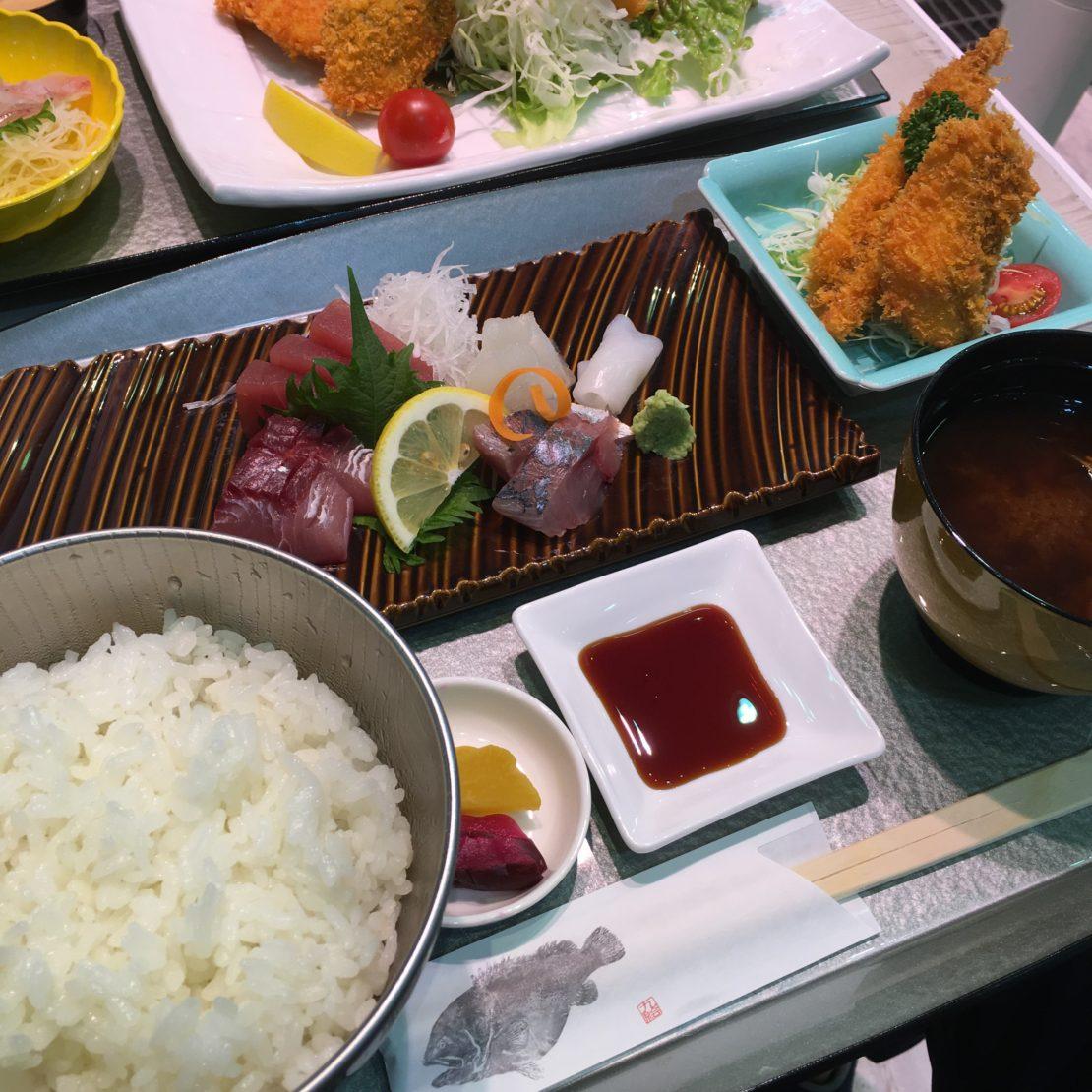 柳橋中央市場のSeaDining TERUTERUで豊浜港の地魚を味わおう