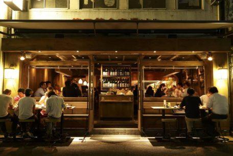 名駅から徒歩5分!小粋な料理と全国各地の日本酒を堪能「小料理バル ドメ」