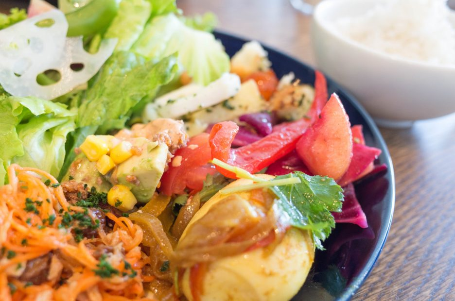 美味しい野菜に心満たされる。栄・デリ「Laugh &」で幸せランチしよう - img8 936x620