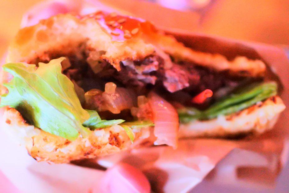 昼過ぎにクラフトビールと贅沢ハンバーガーを堪能。伏見「BRICK LANE」 - DSC 0736 930x620