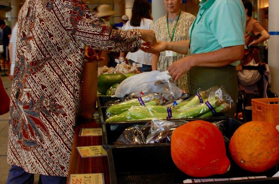 オアシス21で新鮮な野菜をゲット!毎週土曜朝「オーガニックファーマーズ朝市村」 - 14331096 1331261160237241 1076959290 n 936x620