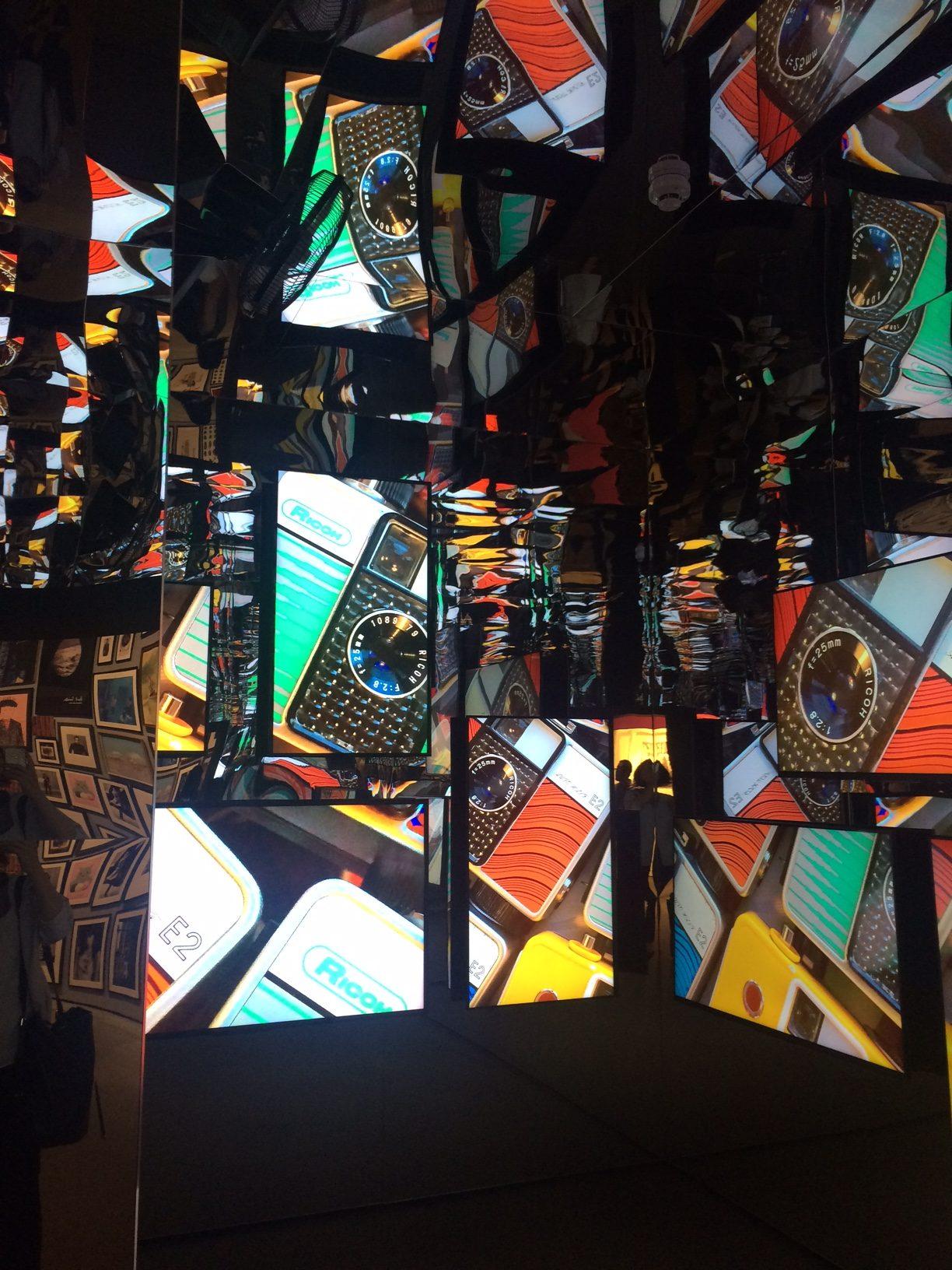 カラフルな作品と展示に心躍る!「ポール・スミス展」 in 名古屋体験レポート - IMG 7930 e1475158384421