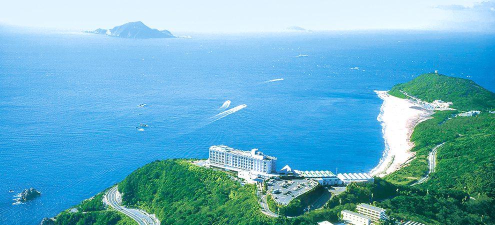 目の前に広がる海は、まさに絶景!伊良湖ビューホテルのコーヒーハウス「アドリア」 - img main01 990x450