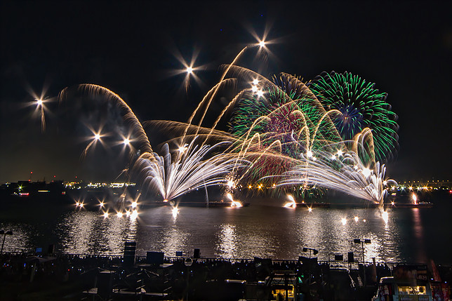 秋だけど花火が見れるのは名古屋港だけ!10月22日は「た〜まや〜」と叫ぼう - 006
