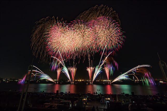 秋だけど花火が見れるのは名古屋港だけ!10月22日は「た〜まや〜」と叫ぼう - 011