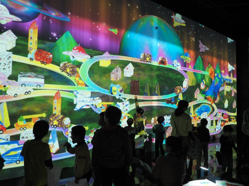 「チームラボ★アイランド 踊る!アート展と、学ぶ!未来の遊園地」に行ってきました! - PB110046 827x620