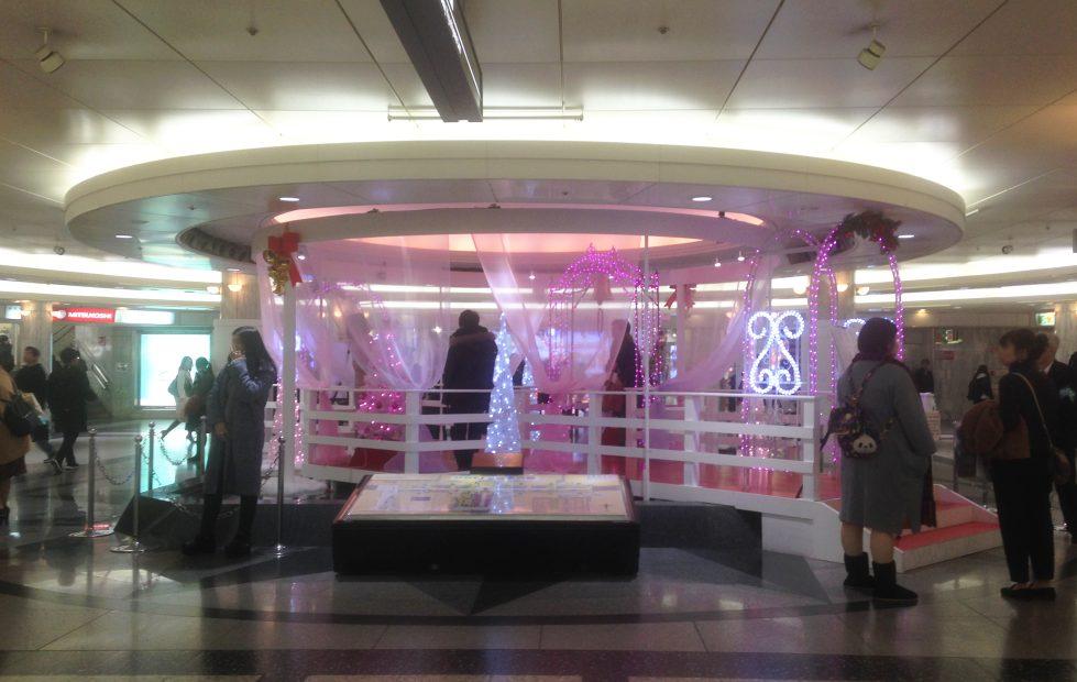 クリスタルを失った、栄クリスタル広場はいま…… - 07 3 979x620
