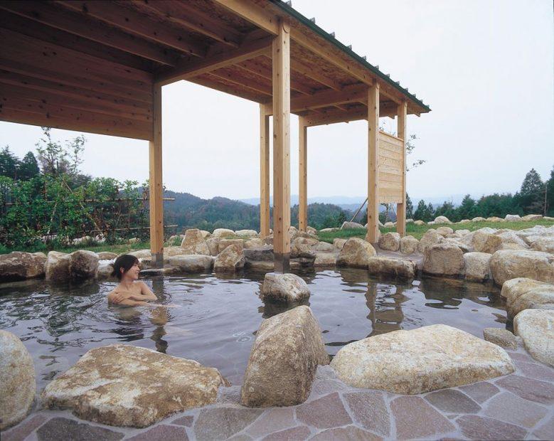 東濃地方のオススメスポット。こだわりの「らーめん」と絶景を望める露天風呂