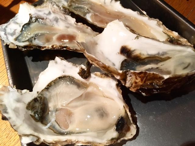 名古屋で牡蠣を食べ放題! 生牡蠣もおいしい『カキ小屋フィーバー』