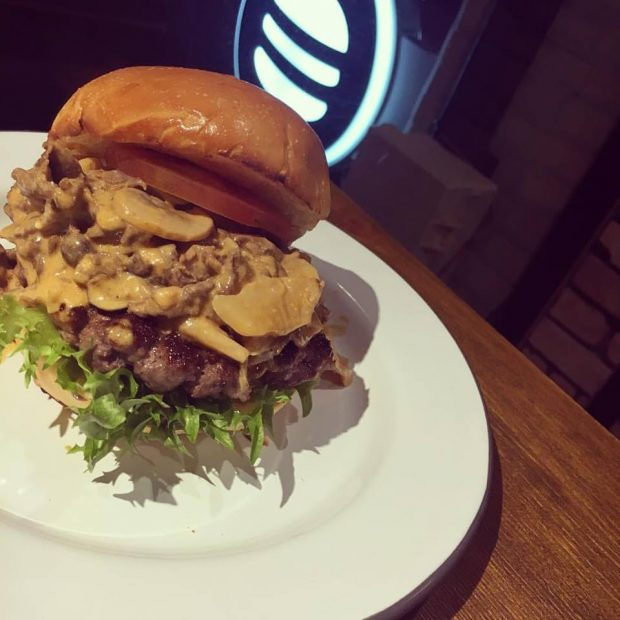普段の食生活にハンバーガーを取り入れてみては?「ハンバーガー生活のすすめ」 - hannba ga 620x620