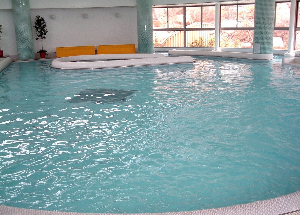 『しみずの湯』温泉プール