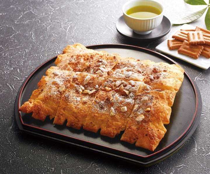 名古屋のお菓子『しるこサンド』がアオキーズ・ピザとコラボでピザになった! - 38549 WPwgQoHIfe