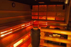 すぐ行ける天然温泉!名古屋近郊おすすめ日帰り入浴施設5選 - tamanoyu rouryu sauna 300x199