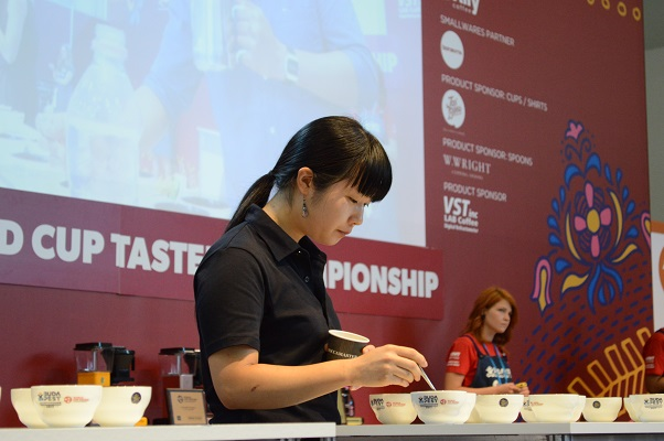 「珈琲通・豆蔵」がおくる、世界準チャンピオンが作る世界に一つのブレンドコーヒー - DSC 1020 2
