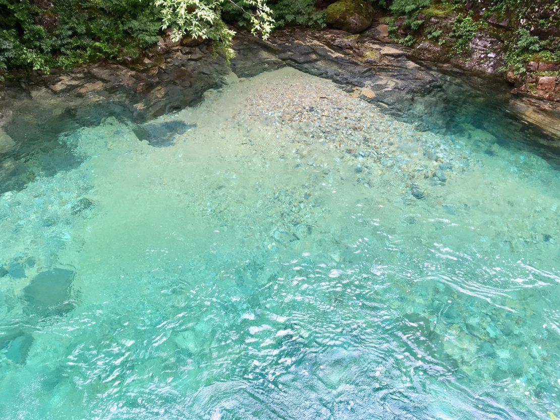 【名古屋から行ける避暑地・前編】この夏行きたいエメラルドの秘境『阿寺渓谷』