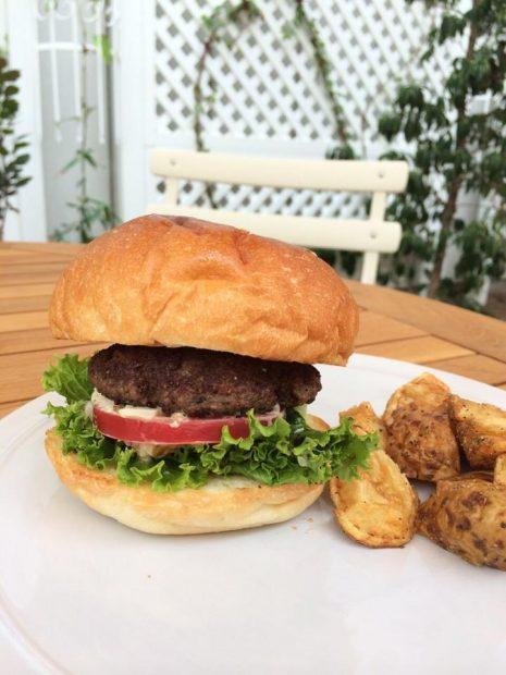 体に優しいハンバーガー『オーガニックバーガーキッチン』がラシックに9月オープン - 10675779 602934543148770 6695186747868657102 n 465x620