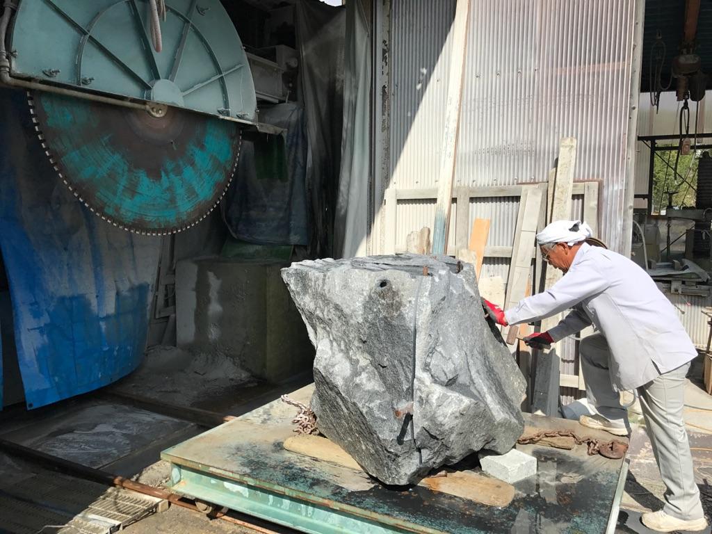 断崖絶壁の採石場見学や石のコースター作りも!「石のまち岡崎ディープツアー」 - f6f77a1616e27fc34eb1a81aa7dc6262