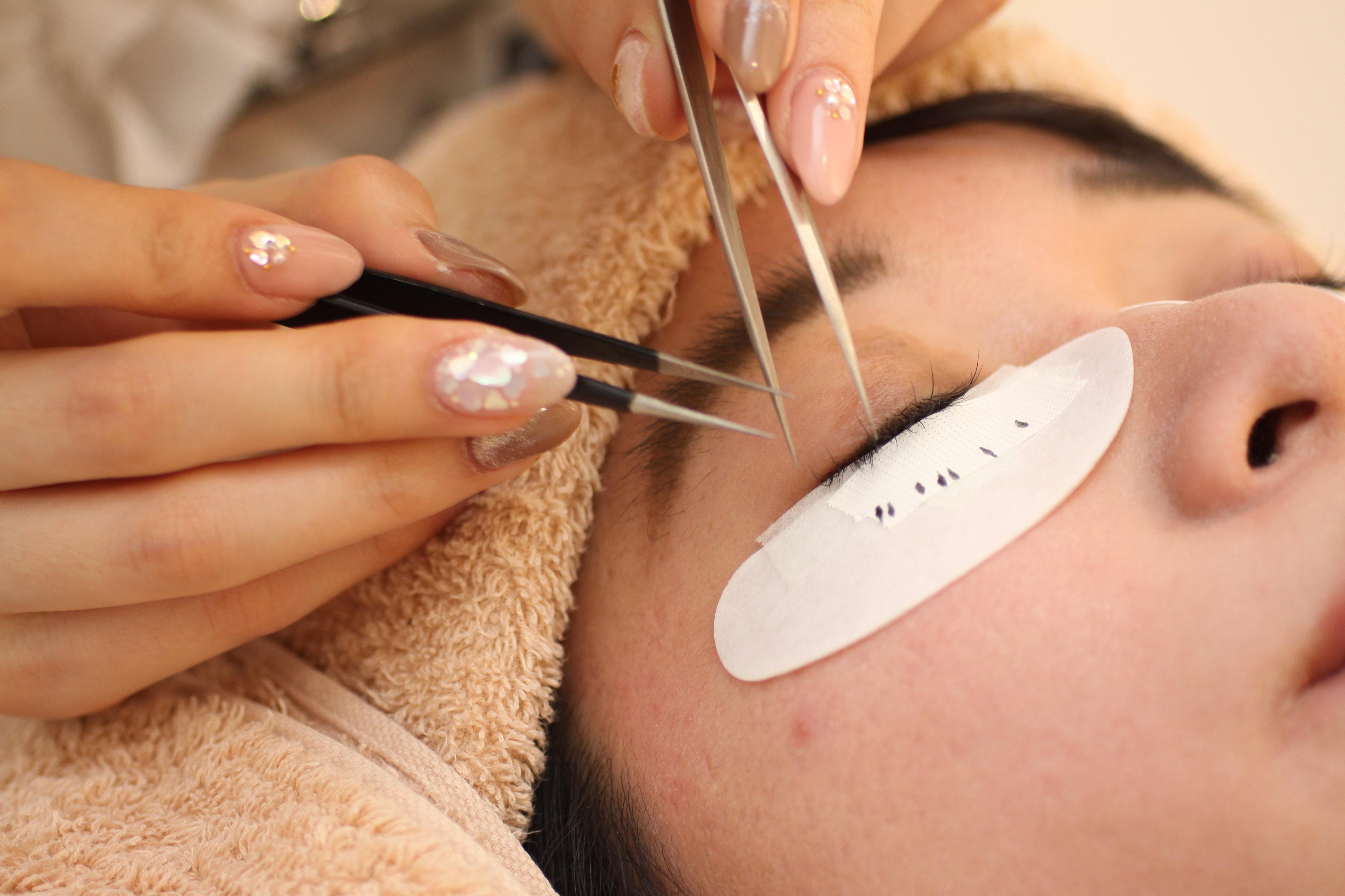 顔の印象は目元から。松坂屋南館『ビューティジーンプロフェッショナル』で美まつ毛を手に入れよう - beautygene22