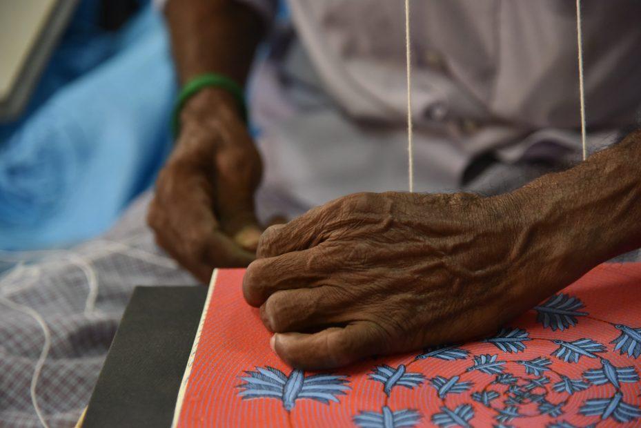今注目の南インドの出版社「タラブックス」の展覧会が刈谷市美術館で開催 - DSC 8815 929x620