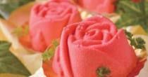 お母さんの本音に寄り添う「食べられる花束ケーキ」が登場! - f6bdd0ebd0f03de0cc96a30bf6b78261 210x110