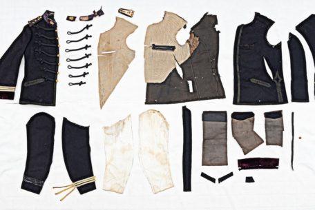 100年以上前の服を分解して、全身で学ぶ!「半・分解展」が名古屋で開催