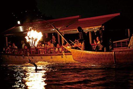 1300年続く漁法「木曽川うかい」を目の前で、犬山で夏の風物詩を楽しむ