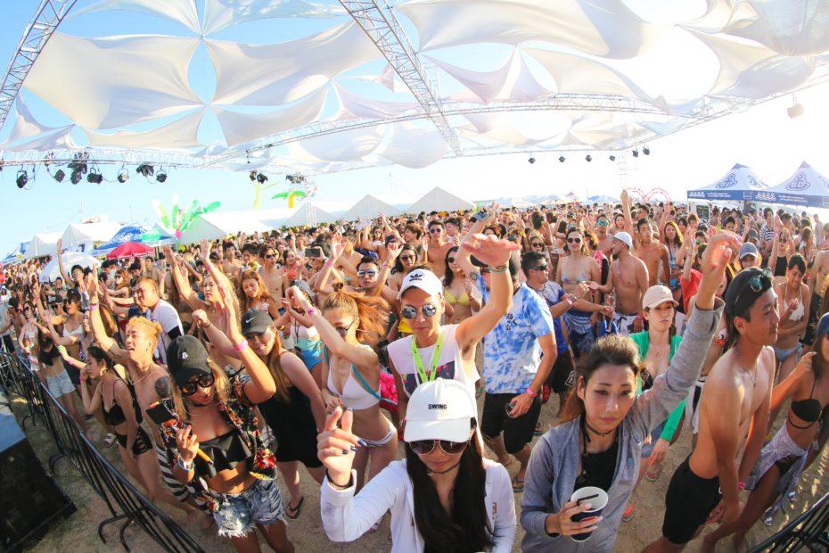 太陽にきらめく海と音楽を楽しむ!東海地区最大のビーチ音楽フェス『りんくうビーチフェス2018』が今年も開催 - 1Z5A9706 930x620