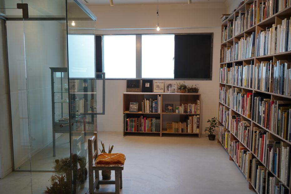 素敵なアートブックとの出会いを提供する古書店が誕生!車道「LIEB BOOKS」 - DSC01917 930x620