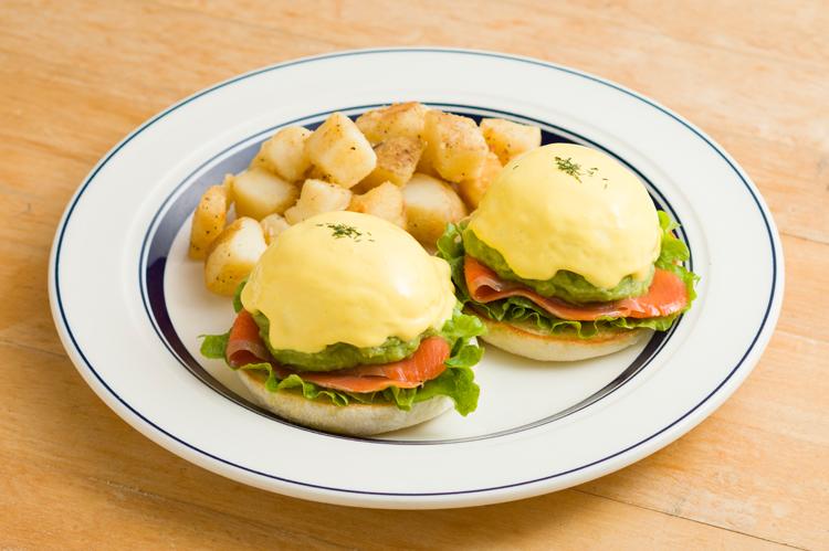 生クリーム特盛のパンケーキを味わおう! ららぽーと名古屋に「Eggs 'n Things」がオープン - B314C6C9 3E79 42AF AA8B B9485CB75964