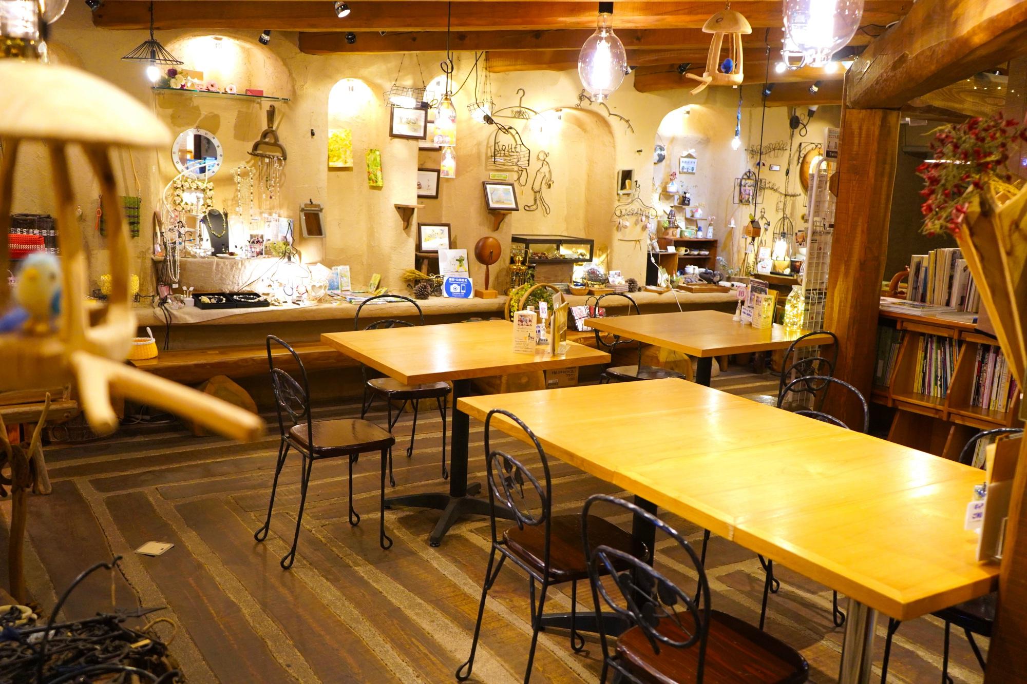 ママ友会や女子会に!みよしのランチは南欧風のおしゃれ喫茶『カーデンカフェ』で - DSC02657