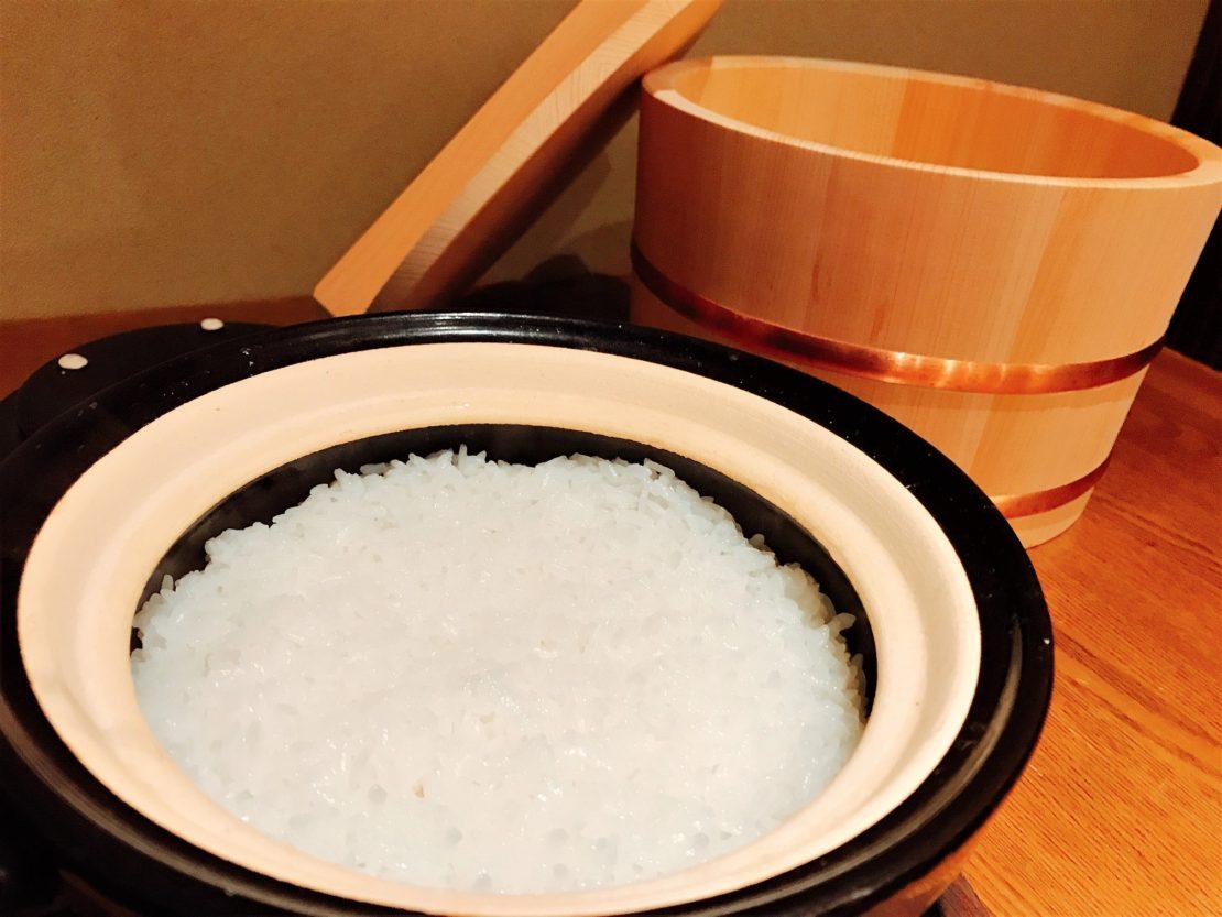 人が主役の温かいお店に、粋な店主と土鍋ごはんを味わえる岡崎市『食堂こなん』