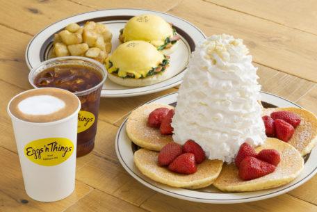 生クリーム特盛のパンケーキを味わおう! ららぽーと名古屋に「Eggs 'n Things」がオープン