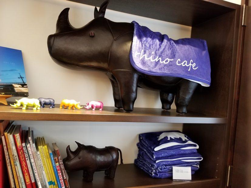 子ども連れでも安心!可愛いサイ達が迎えてくれる「rhino cafe(リノカフェ)」 - rhino14 827x620