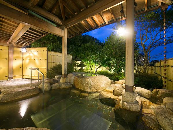 車内で足湯と地酒を満喫できる観光列車「つどい」に乗って、湯の山温泉へ行こう - 28adbeda6a9eba0358ac0705fdc0238b