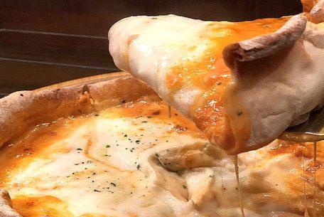 インスタ映えする「シカゴピザ」も。チーズ料理専門店『Love&Cheese!!』が名古屋ラシックに!
