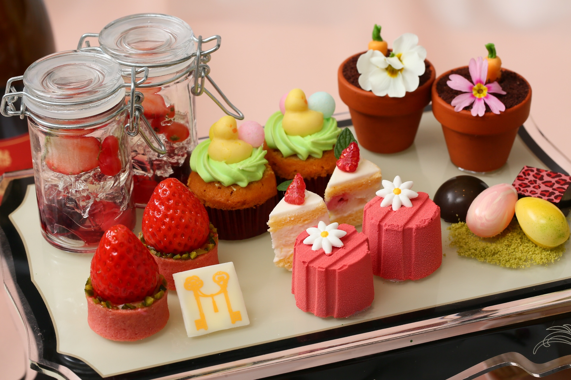 イチゴをふんだんに使ったアフタヌーンティー開催中!テーマは春の祭典『イースター』 - sub3 1