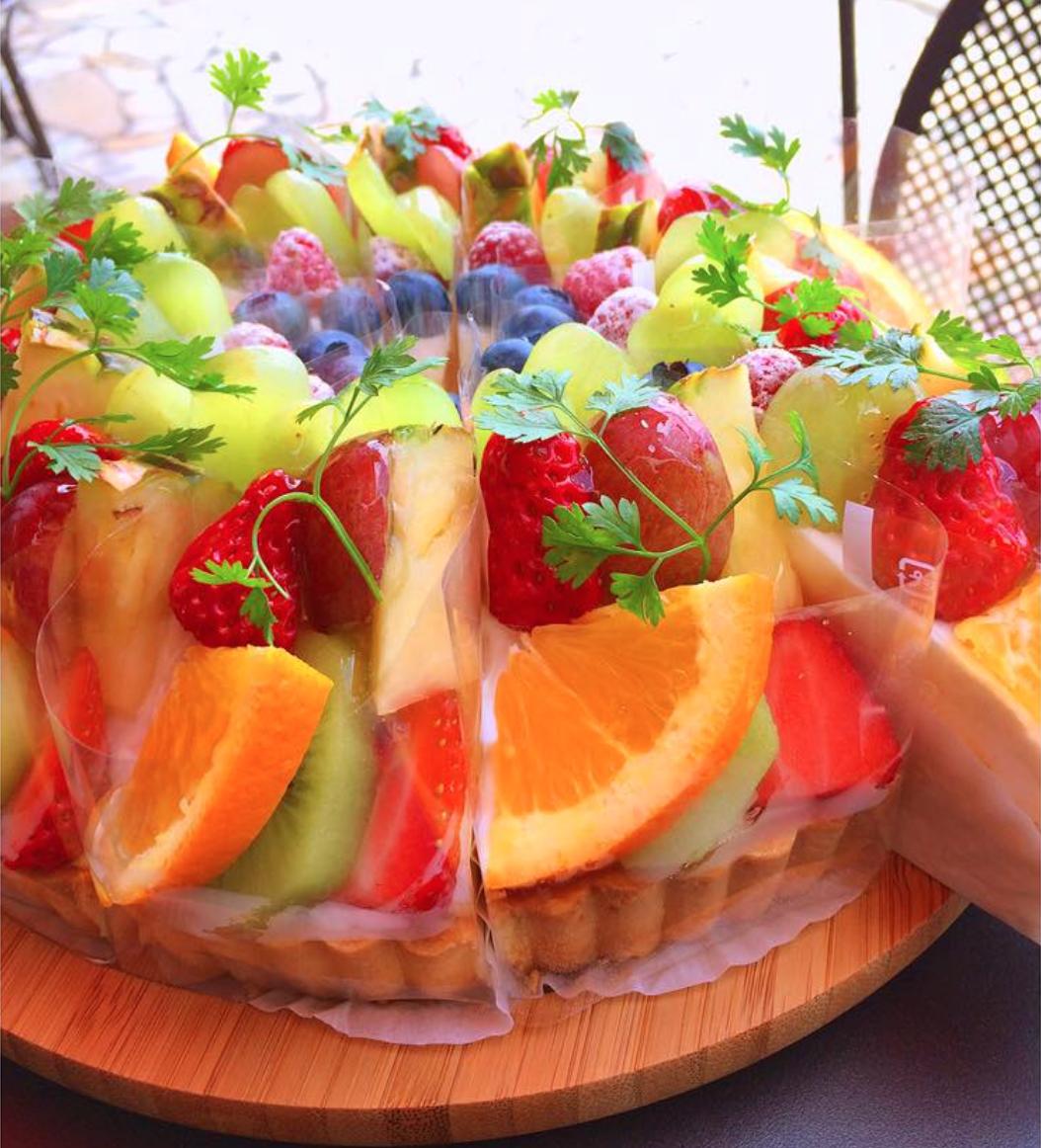 心ゆくまで苺を楽しむ。ド迫力の苺パフェ、名古屋西区の「Le Cafe Andoll」で連日完売中! - 24d0b535782c7b96b6013fae542c4f62